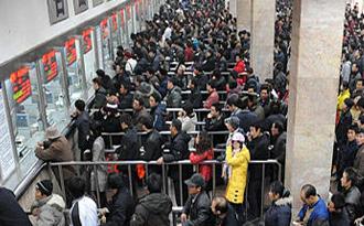上海火车站临客列车增至52趟
