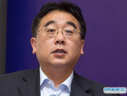 主持人:青岛地铁董事长贾福宁