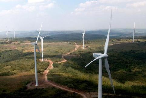 皇山拍摄的风力发电机组