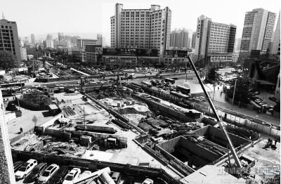 兰州西站北广场及地下空间开发工程主体结构正式封顶