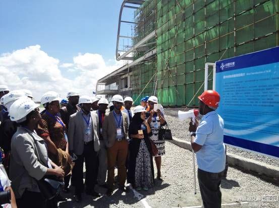 驻肯尼亚使馆邀请肯外交部官员参观蒙内铁路