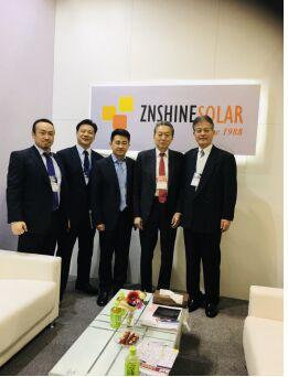 作为全球领先的新能源一线品牌,正信光电携12栅石墨烯等多款高性能