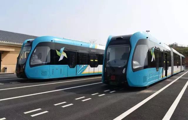九江中国首条县域ART智轨电车在江西永修启动试乘