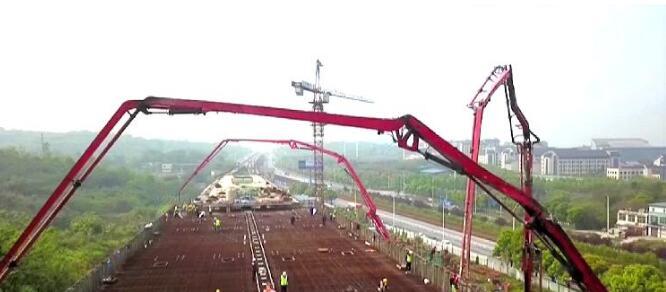 重庆轨道交通5号线江津段最大单体箱梁开始浇筑