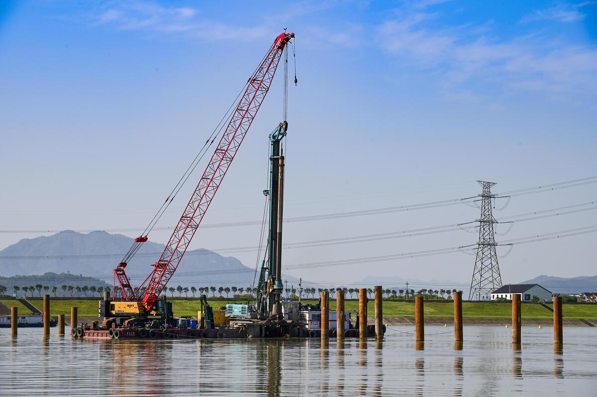 金华:金建高铁兰江特大桥全面施工